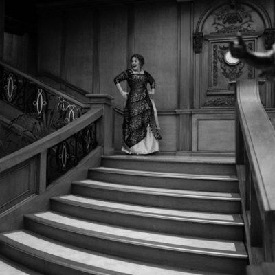 Adele disfrutando de su fiesta de cumpleaños en el Titanic
