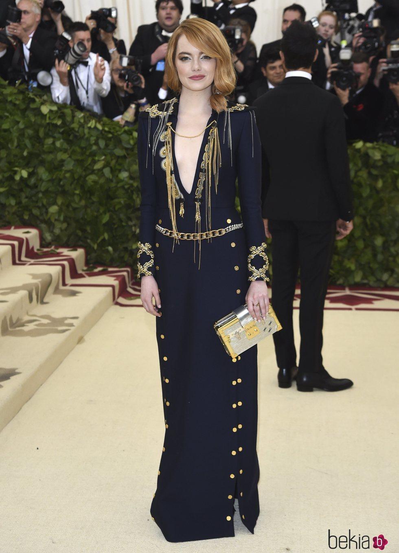 Emma Stone en la alfombra roja de la Gala MET 2018