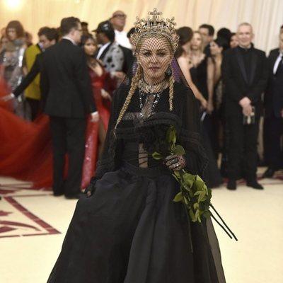 Madonna en la alfombra roja de la Gala MET 2018