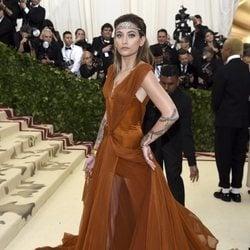 Paris Jackson en la alfombra roja de la Gala MET 2018