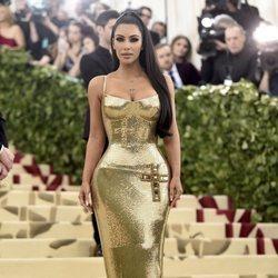 Kim Kardashian en la alfombra roja de la Gala MET 2018