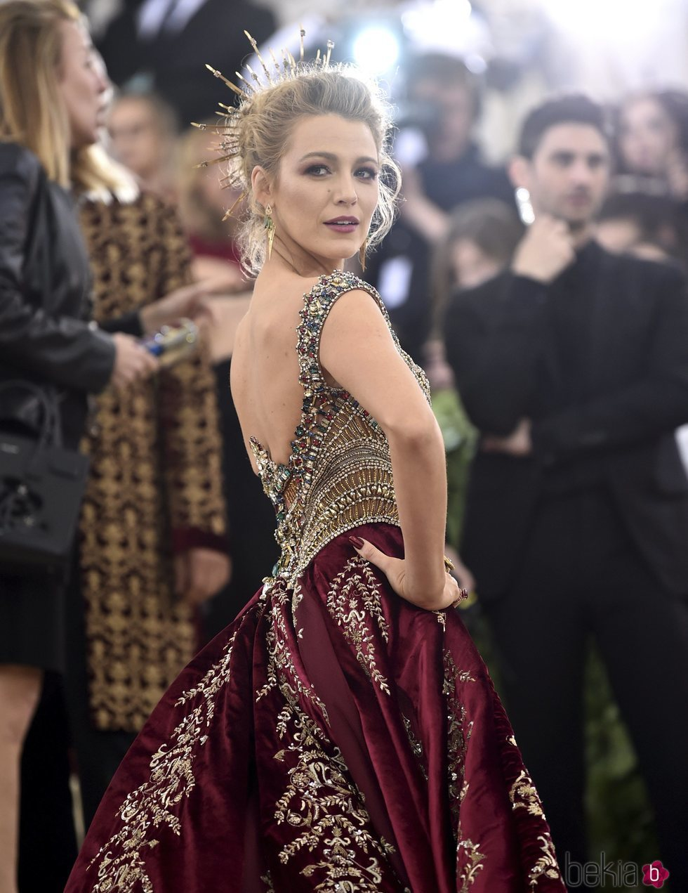 Blake Lively en la en la alfombra roja de la Gala MET 2018