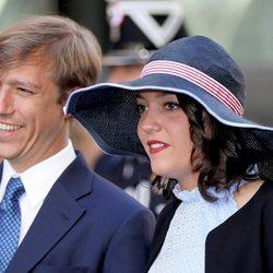 Luis y Alejandra de Luxemburgo en la procesión de la Octava Católica