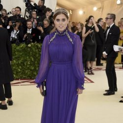La Princesa Beatriz de York en la alfombra roja de la Gala MET 2018