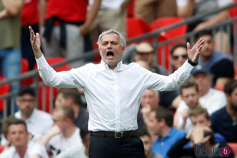 José Mourinho en un partido de la FA Cup