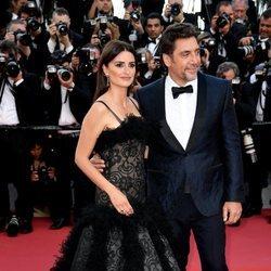 Penélope Cruz y Javier Bardem en la alfombra roja en el Festival de Cannes de 2018