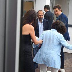 Inma Cuesta perdió el zapato y Penélope Cruz la ayudó en el Festival de Cannes de 2018