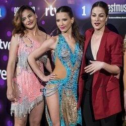 Yana Olina con otras bailarinas en la presentación de 'Bailando con las estrellas'