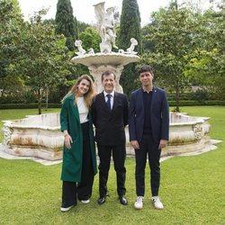 Alfred y Amaia con el embajador de España en Portugal antes de Eurovisión 2018