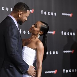 Will Smith y su esposa, Jada Pinkett Smith, en la premiere de 'Focus'