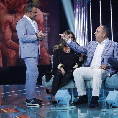 Julio Ruz habla con Jorge Javier Vázquez en la gala 9 de 'Supervivientes 2018'