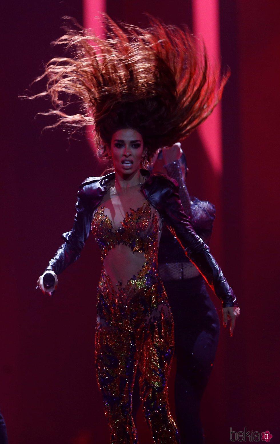La representante de Chipre Eleni Foureira actuando con su canción 'Fuego' en la final de Eurovisión 2018