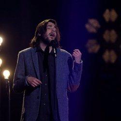 Salvador Sobral actuando en la final de Eurovisión 2018