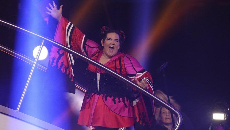 La representante de Israel Netta celebrando su victoria en Eurovisión 2018