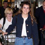 Amaia en el aeropuerto de Madrid a su vuelta a España tras Eurovisión 2018