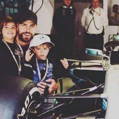 Gerard Piqué con sus hijos Milan y Sasha en el GP de España 2018