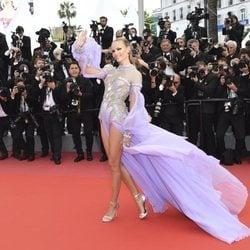 Natasha Poly en la alfombra roja de la película 'BlacKkKlansman' en el Festival de Cannes de 2018