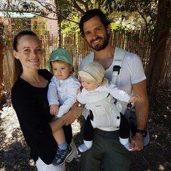 Carlos Felipe y Sofía de Suecia en una actividad familiar con sus dos hijos