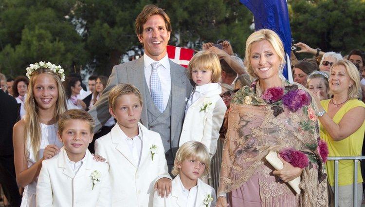 Los Príncipes Pablo y Marie Chantal de Grecia junto a todos sus hijos