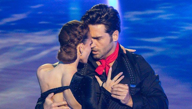 La mirada más que cómplice entre David Bustamante y Yana Olina en 'Bailando con las estrellas'