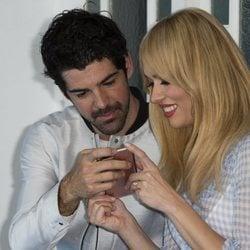 Miguel Ángel Muñoz y Patricia Conde divirtiéndose juntos en un evento