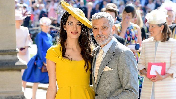 Amal Alamuddin y George Clooney en la boda del Príncipe Harry y Meghan Markle