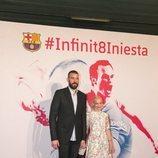 Marc Gasol y su mujer en el homenaje de despedida a Andrés Iniesta