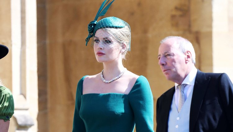 Lady Kitty Spencer llegando a la boda del Príncipe Harry y Meghan Markle