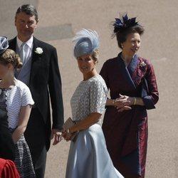 Sofia de Wessex junto a la Princesa Ana en la boda del Príncipe Harry y Meghan Markle