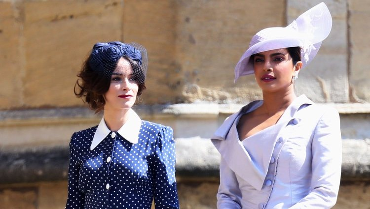 Abigail Spencer y Priyanka Chopra en la boda del Príncipe Harry y Meghan Markle