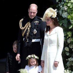 Los Duques de Cambridge con sus hijos en la boda del Príncipe Harry y Meghan Markle