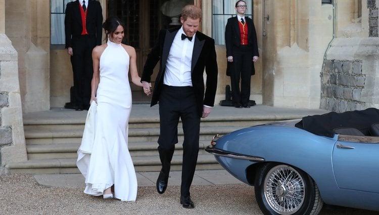 El Príncipe Harry y Meghan Markle salen del Castillo de Windsor tras su boda
