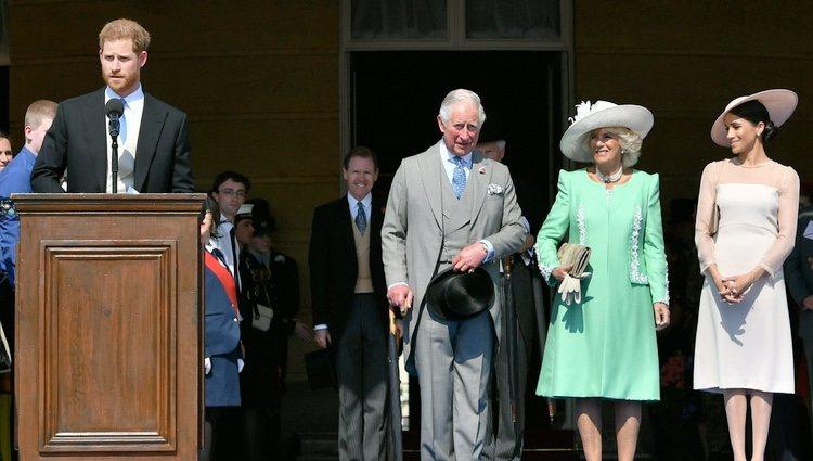 El Príncipe Harry, el Príncipe Carlos, Camilla Parker y Meghan Markle en la celebración del 70 cumpleaños del Príncipe de Gales