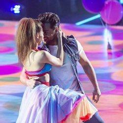 David Bustamante y Yana Olina mirándose durante su segunda actuación de 'Bailando con las estrellas'