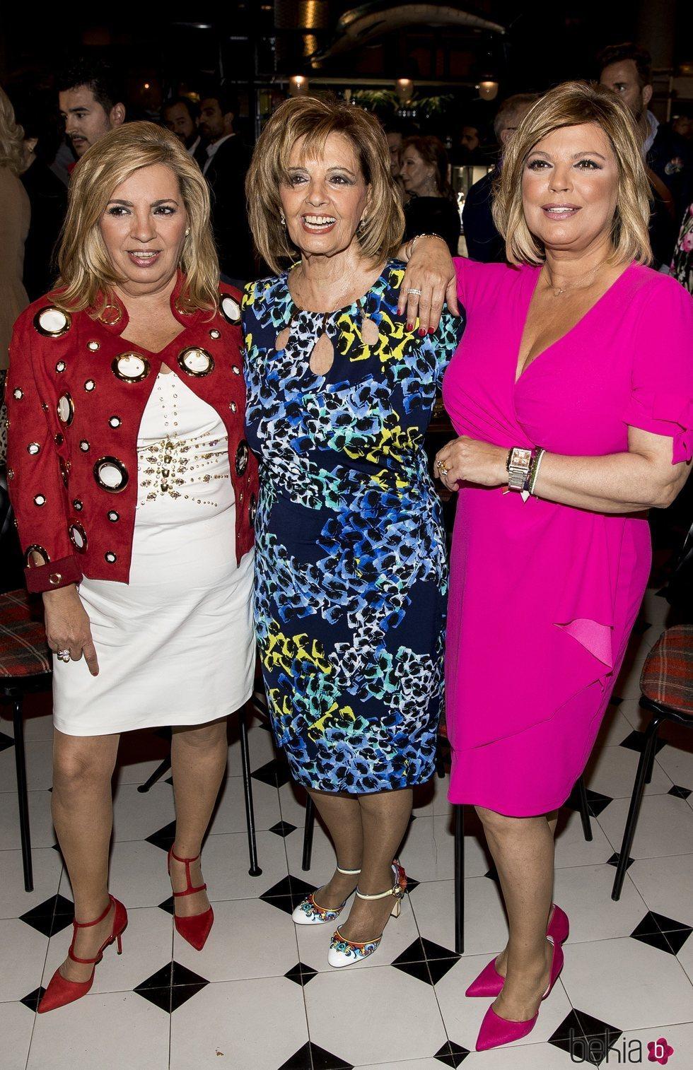 Terelu Campos con María Teresa Campos y Carmen Borrego en la presentación de su colección de joyas TRLU
