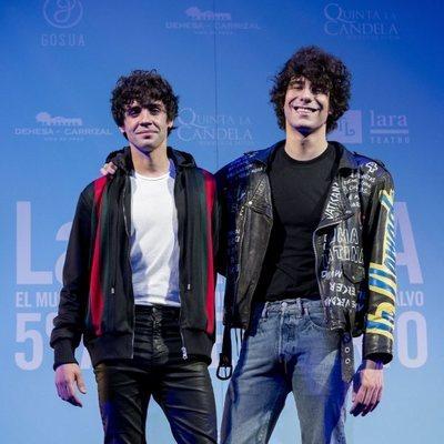 Javier Calvo y Javier Ambrossi en la celebración del quinto aniversario de 'La Llamada'
