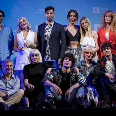 El nuevo reparto de 'La Llamada' en en la celebración del quinto aniversario