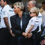 Charlene de Mónaco con el pequeño Jacques en los entrenamientos del Gran Premio de Mónaco