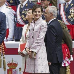 La Reina Letizia presidiendo el desfile de las Fuerzas Armadas en Logroño