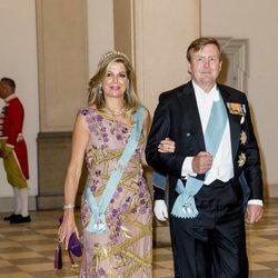 Los Reyes Guillermo y Máxima de Holanda en la cena de gala del 50 cumpleaños de Federico de Dinamarca