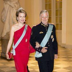 Los Reyes Felipe y Matilde de Bélgica en la cena de gala del 50 cumpleaños de Federico de Dinamarca