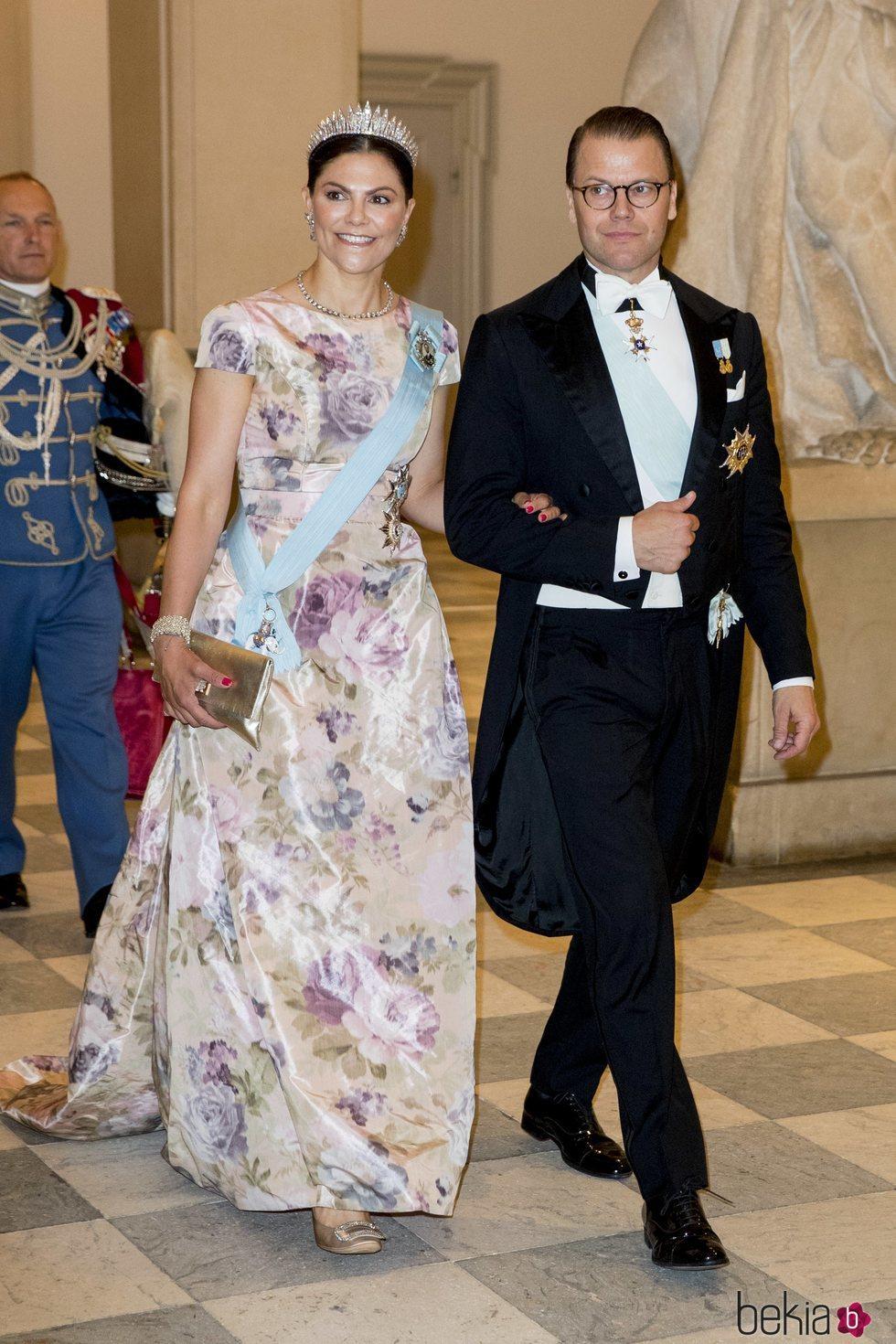 Los Príncipes Victoria y Daniel de Suecia en la cena de gala del 50 cumpleaños de Federico de Dinamarca