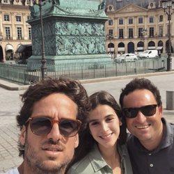 Feliciano López y Sandra con un amigo en París
