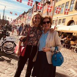 Marie Chantal de Grecia y Ana María de Grecia, felices y sonrientes en Copenhague