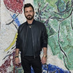 Justin Theroux en Louis Vuitton Cruise 2019