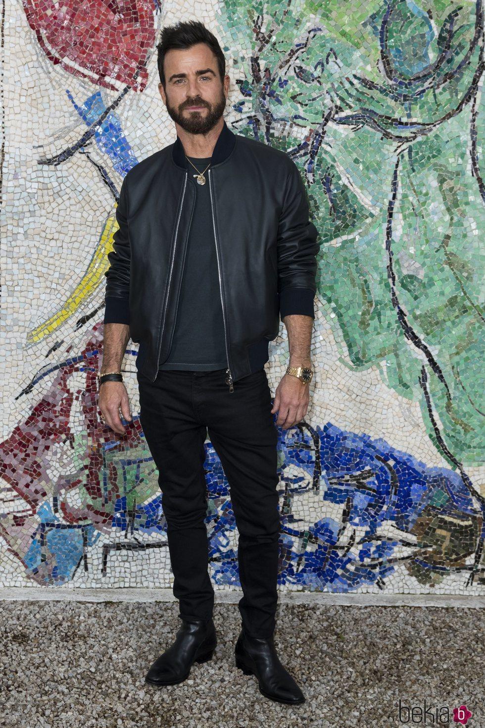 Justin Theroux en Louis Vuitton Cruise 2019