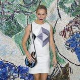 Sienna Miller en el desfile Louis Vuitton Cruise 2019