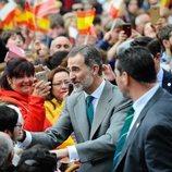 El Rey Felipe, muy feliz tras saludar a la ciudadanía en Reinosa
