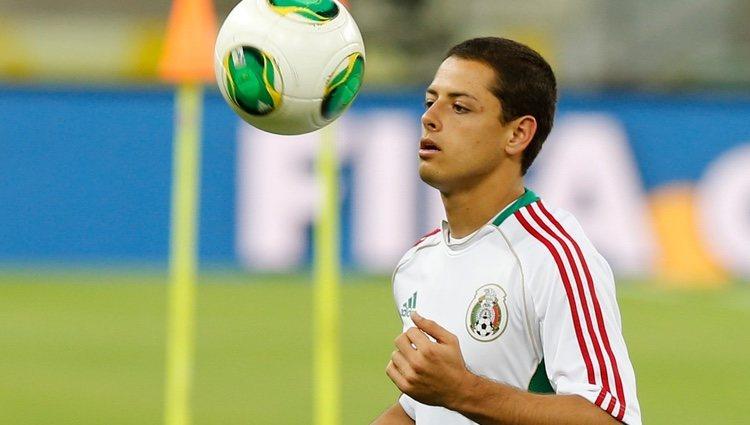 Chicharito Hernández con la selección mexicana