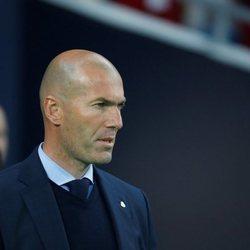 Zidane durante un partido como entrenador del Real Madrid
